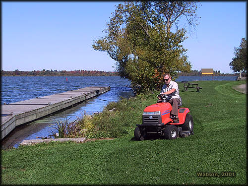 http://www.rideau-info.com/canal/images/locks/mowing.jpg